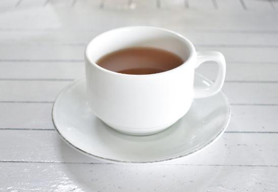 खाली पेट चाय पीने