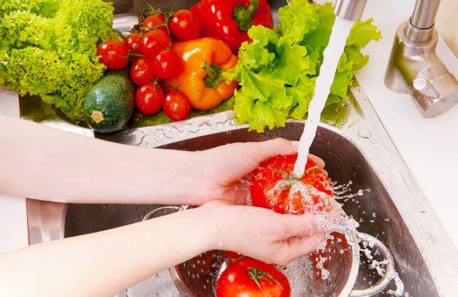 कोरोना फल सब्जियों धोने