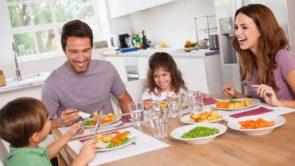Balanced diet in Hindi : अच्छे स्वास्थ्य के लिए बैलेंस डाइट लेना क्यों जरूरी है?