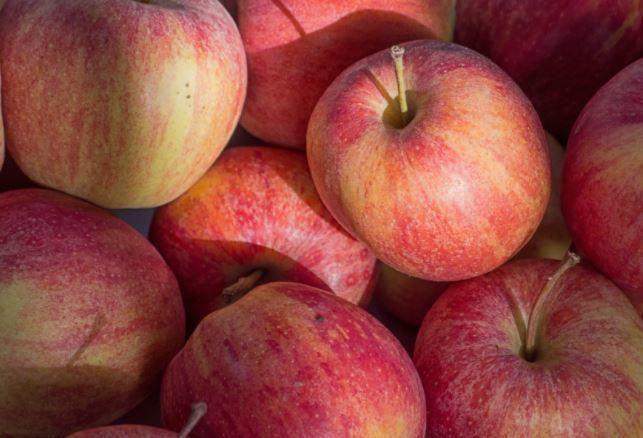 सेब का सेवन
