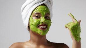 होममेड ग्रीन टी फेस पैक बनाने की विधि – How to make green tea face pack in hindi.