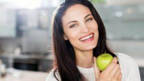 होममेड एप्पल फेस पैक लाएगा आपके चेहरे पर निखार : Homemade Apple Face Pack in hindi.