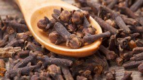 जानिए खाली पेट लौंग खाने के फायदे – Benefits of eating cloves on empty stomach in hindi.