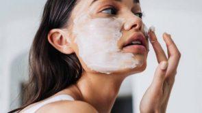 सर्दियों के मौसम में डाई फेस मास्क (DIY face mask) इस्तेमाल करने के फायदे।