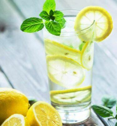 Nimbu pani peene ke fayde : सुबह खाली पेट नींबू पानी पीने के फायदे।