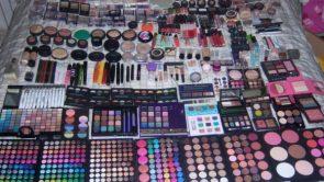 ब्यूटी पार्लर मेकअप सामान की लिस्ट : Makeup saman list in hindi.