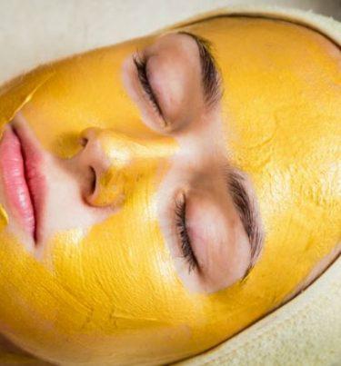 गर्मियों में त्वचा को निखारे होममेड मैंगो फेस पैक ऐसे करें इस्तेमाल – Mango Face Pack in hindi.