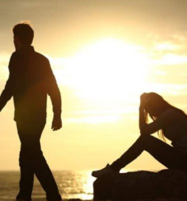 How To Recover From Breakup In Hindi : बेक्रअप के बाद क्या करें?